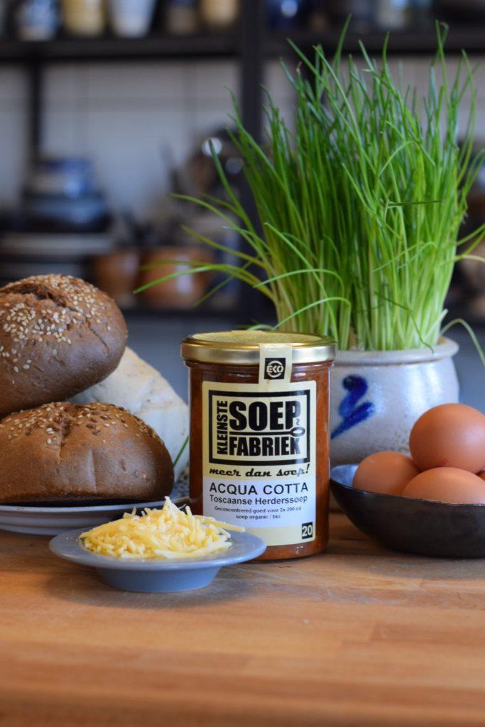 Rezept: Bio Biologisch Gefüllte Brötchen aus dem Ofen mit Toskanischer Gemüsesuppe